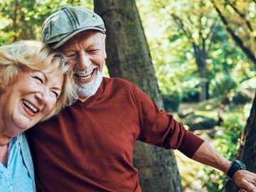 ¿El otoño de la vida? Parece que las personas mayores de 65 años están activas, incluso bajo las sábanas